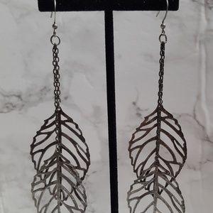 Jewelry - Dangle cutout leaf earrings